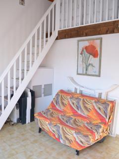 Ajout d'un meuble sous les escaliers.