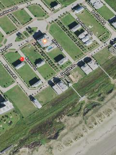Red dot is the house.  Blue rectangle, next to  orange dot, is the pool. 2 to  3 min walk to beach
