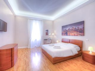 Valle Apt. Spacious, Silent and with All Comforts!, Roma