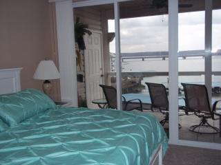 Top Floor Lands' End Condo at Lake Ozarks. Mo, Osage Beach