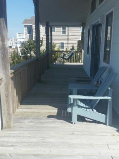 Front deck with chairs and swing