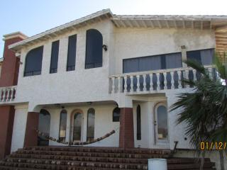 CASA GRANDE 5 BED 4 BATH 2 living room (sleeps 18)