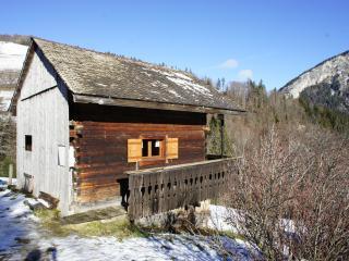 Le petit grenier savoyard (Abondance Haute-Savoie)
