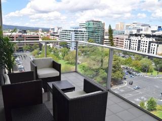 Spectacular Views City Centre, 2 Brm Luxury