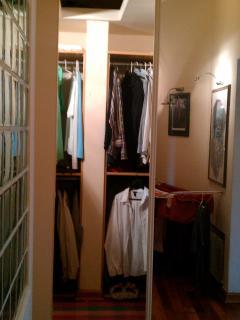 walking closet wardrobe