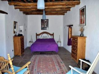 Casa de las Ollas beautiful mountain village house, Mecina Fondales