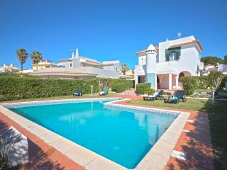 Villa Jade - 4 Bedroom Villa Very Near the Old Village