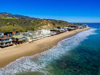 Malibu Road Oceanfront, Sleeps 10