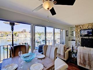 Waterfront Beauty for 6 Guests in Balboa Island, Newport Beach