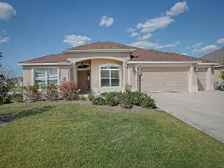 Great Designer home on spacious corner lot. Complimentary Gas Golf Cart, The Villages