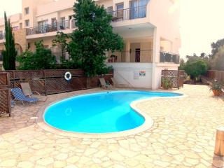 Kato Paphos Tourist Location - 2 Bed Apartment