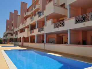 Sol Nascente, ótimo apartamento com piscina, Albufeira