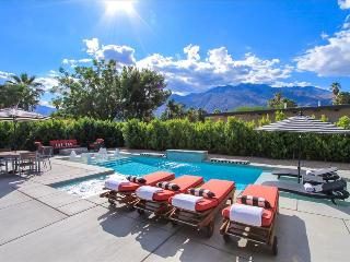 Palms at Park: New 2015 Construction 5 Bed 6 Bath Architectural Luxury Compound, Palm Springs