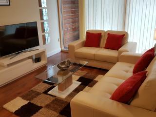Vizion Luxury Short Stay Apartment, Milton Keynes