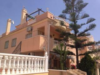 linked apartment with pool 2km to the beach, Playa Flamenca