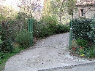 the entrance. ingresso