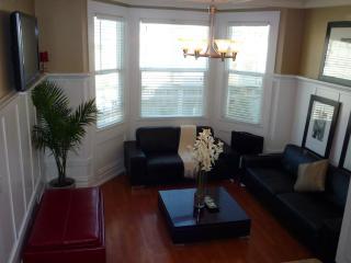 Furnished 1-Bedroom Flat at Jackson St & Mason St San Francisco