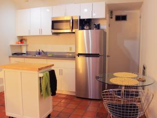 Furnished 1-Bedroom Apartment at Greenwich St & Mason St San Francisco