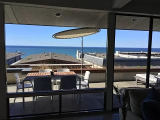 Sophisticated San Clemente Living - Lovely 3 Bedroom  3 Bathroom Private Beach Unit