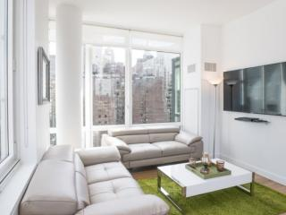 LUXURIOUS AND SPACIOUS 3 BEDROOM, 3 BATHROOM APARTMENT, New York City