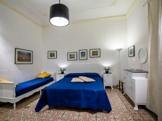 Lavanda luminoso appartamento, Castellammare del Golfo