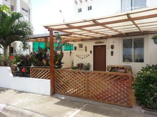 Ecuador - Playas, Safe and comfortable house