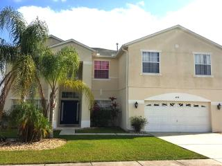$99 May Special 7 Bedroom lake front home!, Kissimmee