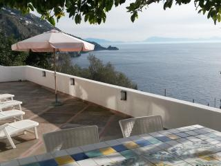 Casa La Caravella - large seaview-terrace, WIFI