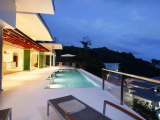Villa Tian Blue -Luxury Seaview Private Pool Villa, Kamala