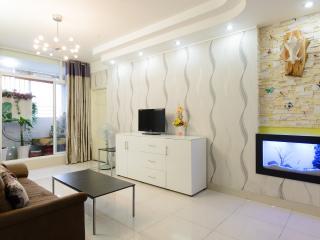 Cozy i102sqm 2 Bed Rooms-5min to BenThanh D1, Ho Chi Minh (città)