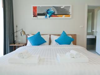 New Sunny beach apartment in Patong