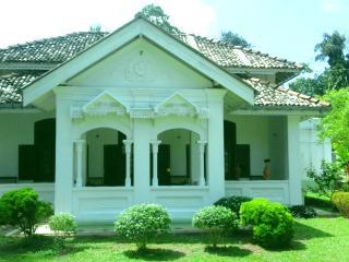 sudharma colonial villa, Ahangama