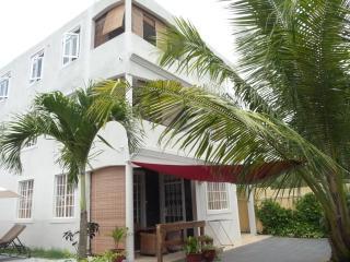 Palm Villa appartement 2 avec piscine, Trou aux Biches