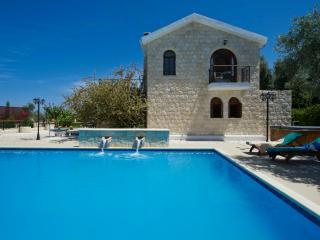 Villa Elpida, Argaka