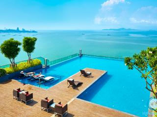 W Tower,2 bedroom beachfront, Pattaya