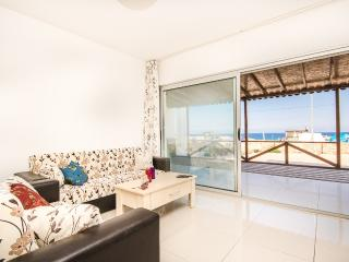 Seaside flat with beautiful views in Girne, Lapta!