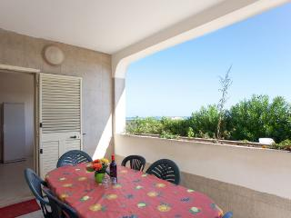 Villa on the sea with direct access to the beach, Torre Rinalda