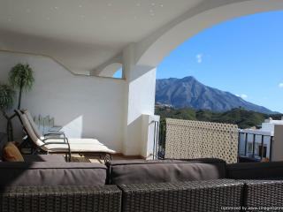 2 Bedroom Apartment With Amazing Views Ref 203, Nueva Andalucia