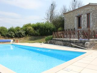 Wonderful Barn Conversion with fabulous view, Penne d'Agenais