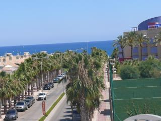 Nice 2-bedroom apartment with a sea view, Alicante