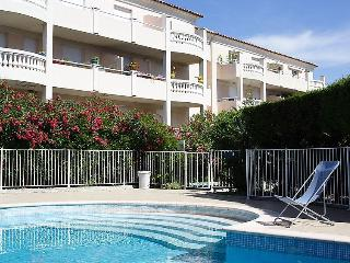 spacious flat in résidence with swimming pool, Cogolin