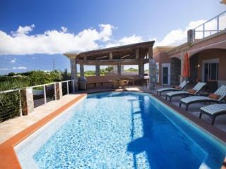 Beautiful 3 Bedroom Villa in Secret Harbour, East End