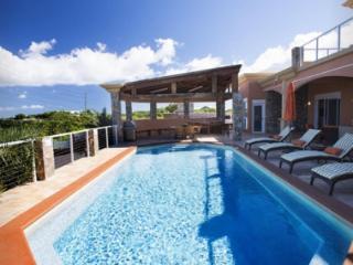 Delightful 5 Bedroom Villa in Secret Harbour, East End