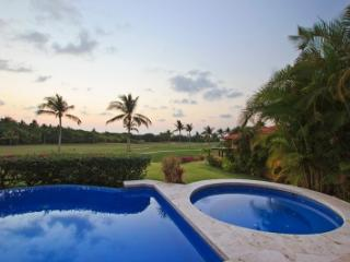 Amazing 5 Bedroom Villa in Punta MIta, Punta de Mita