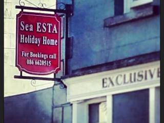 Sea-esta Carlingford Holiday Home, Main Street