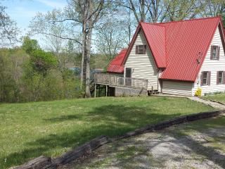 Lakefront with Dock 4 Bedroom 2 Bath, Falls of Rough