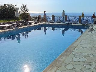 VILLA, SLEEPS 6, TERRACES, PANORAMIC VIEWS PRIVATE, Cabris