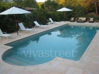 Grande villa calme jardin piscine à Mougins