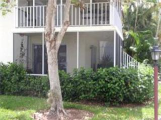 Comfortable Two Bedroom, Near Beach and Downtown, Naples