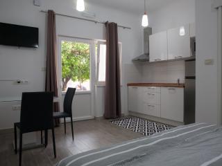 Apartments Svilan 4* - Studio, Trogir
